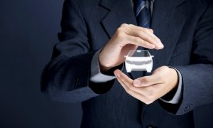 自動車保険(損害保険)と自動車共済の違い