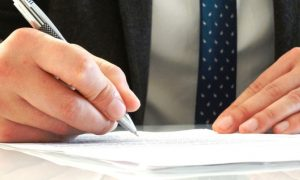 自賠責保険の名義変更手続きと必要書類