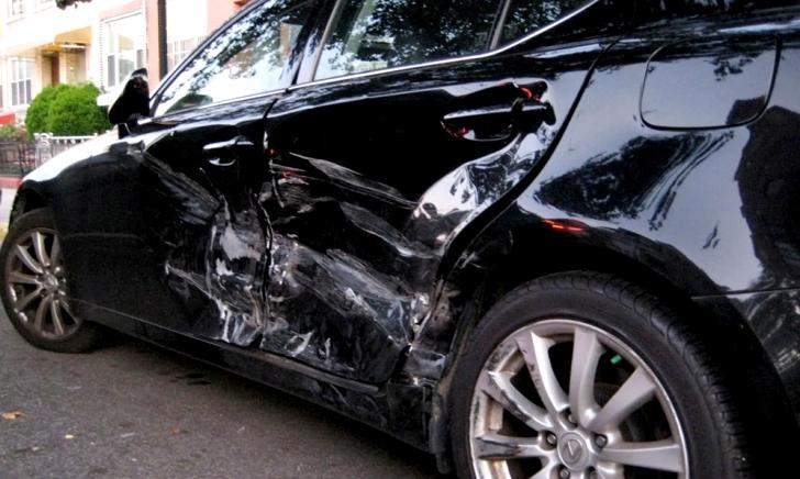 駐車中の当て逃げ・いたずら傷を車両保険で補償できるのか