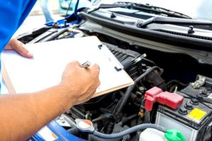 車両保険を使うときは複数の修理工場から見積もりをもらう
