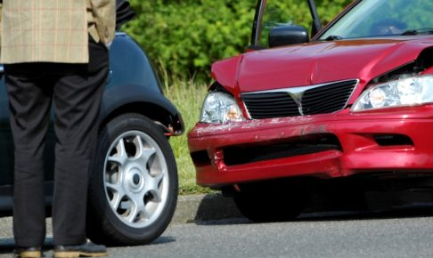 自賠責保険が切れていた車の事故は任意保険で補償されるのか
