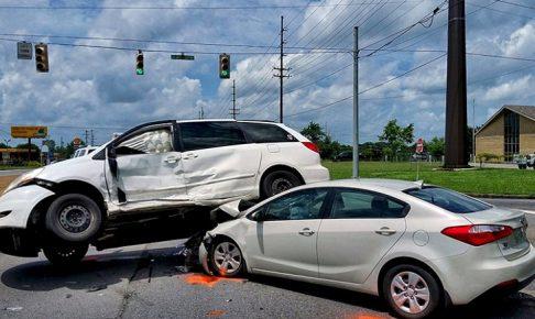交通事故が発生しやすい場所と原因