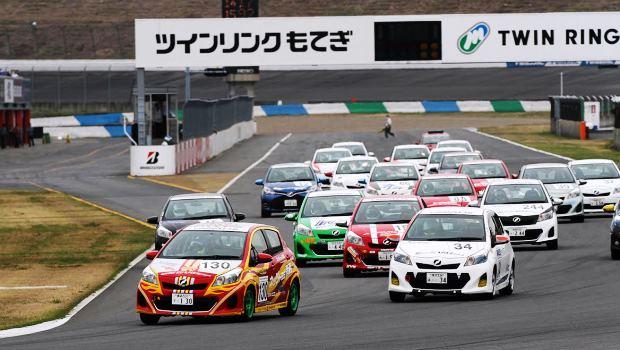 Netz Cup Vitz レース