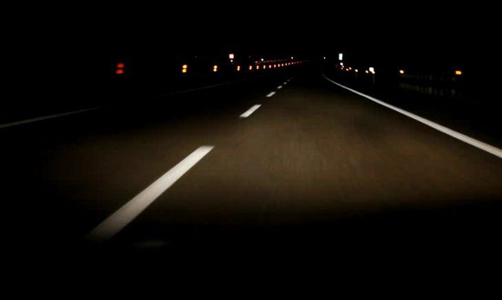 夜に車を運転するのが怖いから克服したい