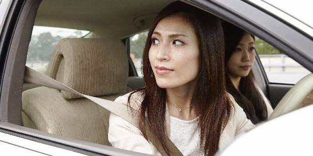 車でUターンが苦手【慌てず安全に行う方法・コツ】