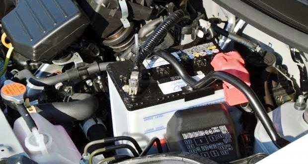 車のバッテリーを自分で交換する方法【簡単DIY】