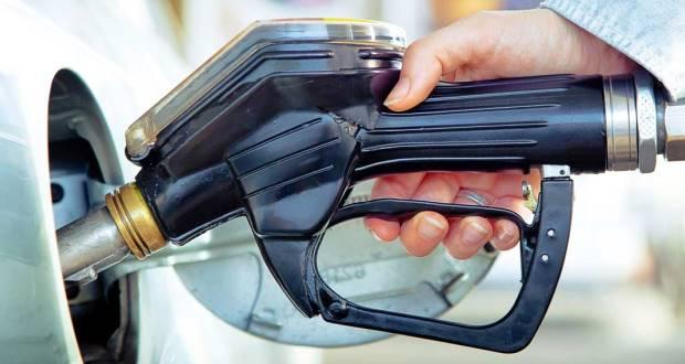 車の燃費を良くする運転のコツ【6つの方法】