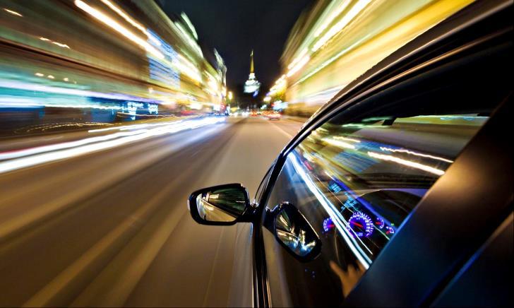 スピード違反は何キロオーバーから捕まるのか