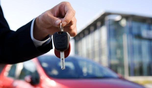 車を買い替えたときには自動車保険の車両入替手続きが必要