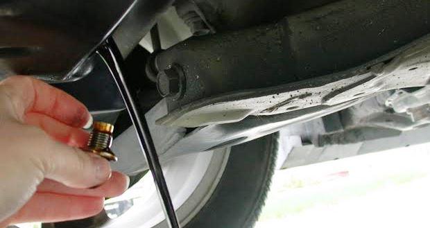 車のエンジンオイル交換をしないとどうなるのか