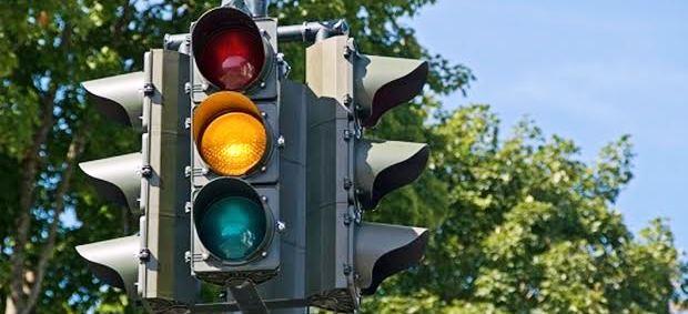 信号無視をして交通違反で捕まったときの点数や罰金