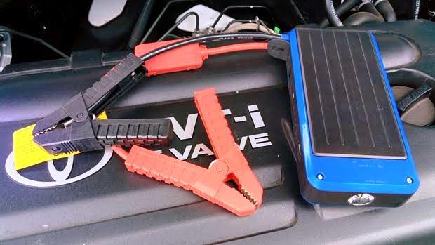 バッテリー上がりにモバイルバッテリーで簡単に対処する方法