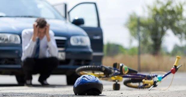 高齢者や子どもが自動車と交通事故を起こさないためには