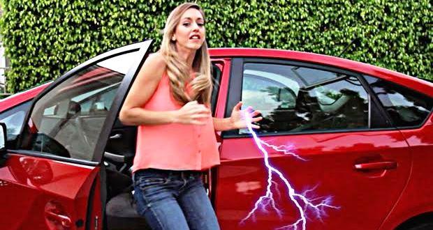 車で起こるビリッとした静電気の原因と対策方法・グッズ