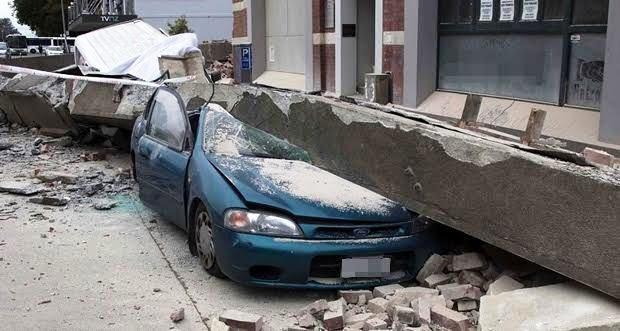 地震・噴火・津波の損害を補償する一時金特約とは【車両保険】