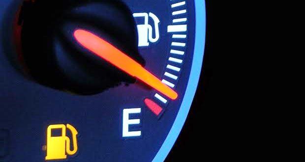 車がガス欠になった時の対処法【高速道路・症状】