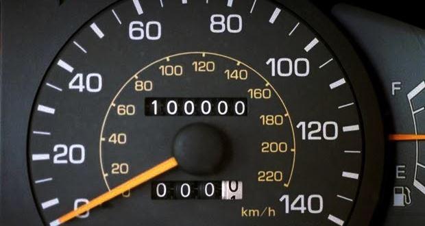 車の査定額は走行距離で左右される【買取・下取り・売却】