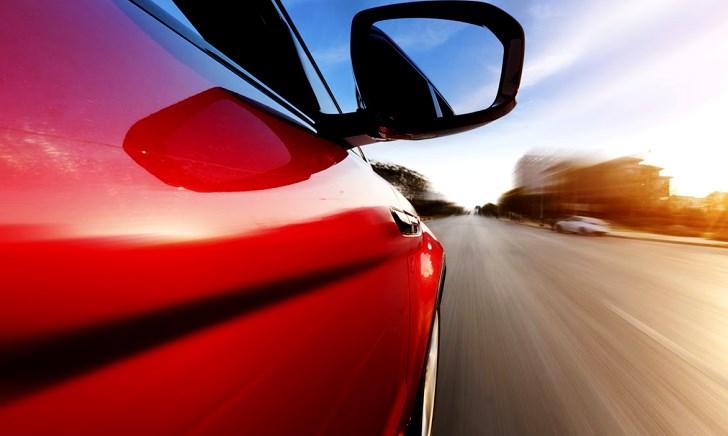 車の燃費が急に悪化した時に考えられる原因と対処方法