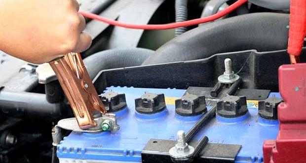 車に乗らない時やエンジンの掛かりが悪い時はバッテリーを充電