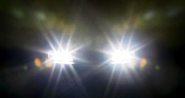 車のライトはハイビームが基本でロービームはすれ違い【義務化・まぶしい】