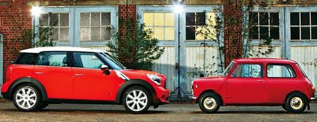 安い中古車を乗り継ぐのと新車に長く乗るのではどちらがお得か