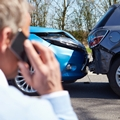 仕事中や通勤途中の交通事故で労災保険を使うには