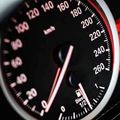 市販車が法定速度以上のスピードを出せる理由【制限速度違反】