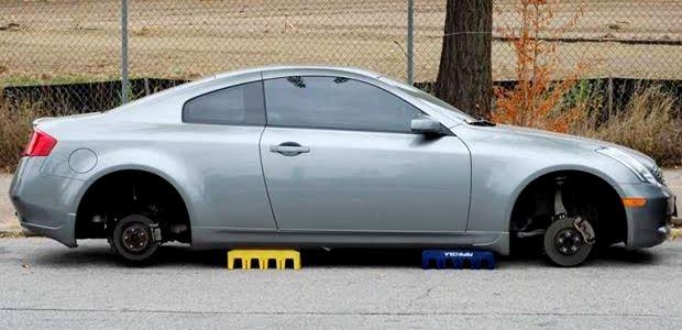 車のホイールやタイヤの盗難防止対策【マックガード】
