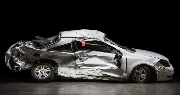 事故車を修理して乗る?廃車する?どっちが得か